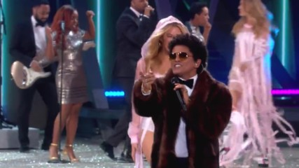 Bruno Mars - Chunky Victorias Secret 2016 Fashion Show Performance