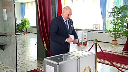 Belarus: Lukashenko casts vote in presidential elections