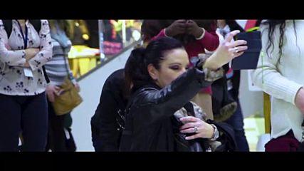 Баба изумява с танци по хореография от филма Привличане