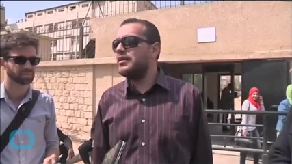 Egyptian Court Adjourns Trial of Al Jazeera Journalists to April 22