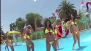 Горещи секси колежанки парти в бикини и прашки - мръсни танци
