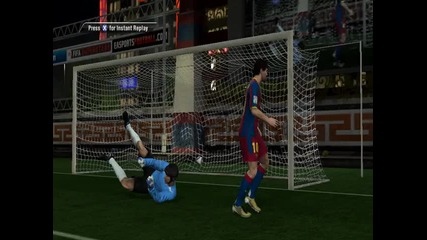 Супер гол с Меси на Fifa 11
