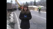 Тир се преобърна в река - Серия от катастрофи заради поледиците