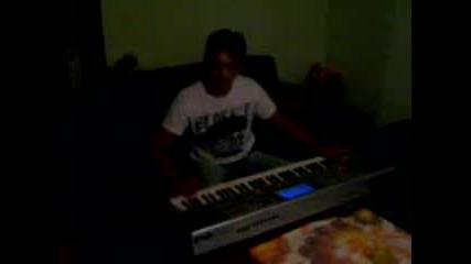 Най Младият Музикант Приличащ На Амза