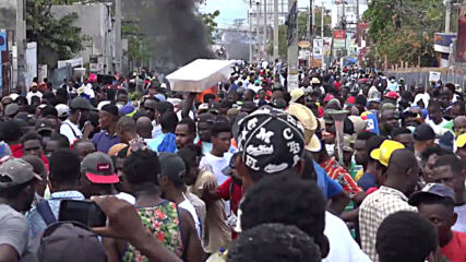 Haiti: Police use tear gas as thousands stage anti-govt demo in Port-au-Prince
