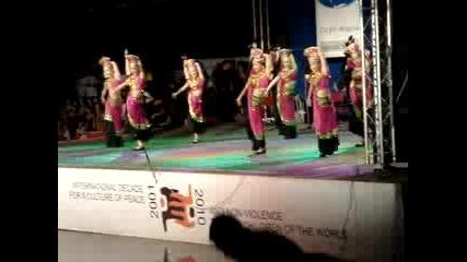 Танцуващи Японки