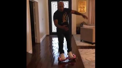 Майк Тайсън се преби с Hoverboard
