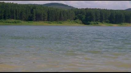 """Яна Маринова и Жасмина Тошкова голи във филма """"lake Placid 2"""" (""""спокойното езеро 2"""")"""