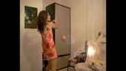 Готино BG Момиче танцува пред камерата