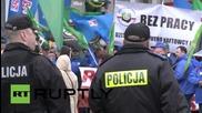 Полша: Десетки хиляди работници протестират срещу условията на труд