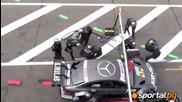 Шумахер помля четирима механици