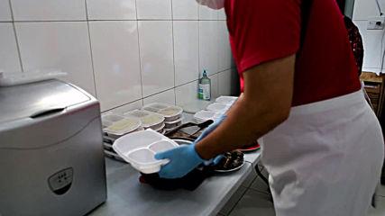 Brazil: Syrian refugees donate hundreds of meals to Brazilians under lockdown