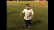 Смешен dance на дете :d