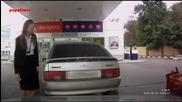 Глупава рускиня не знае какво да прави на Бензиностанция
