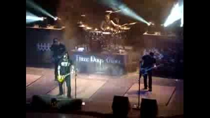 Three Days Grace - Get Out Alive (live)