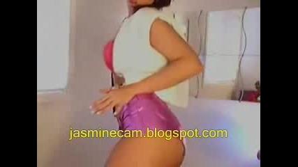Готино Момиче Танцува Пред Webcam