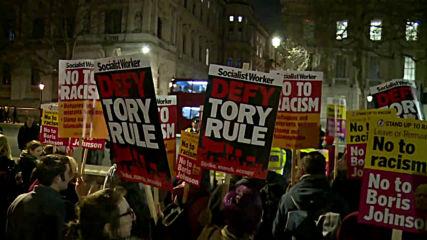 UK: Hundreds flood London in anti-BoJo demo