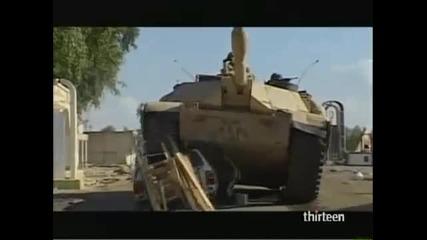 американци унищожават колата на цивилен иракчанин