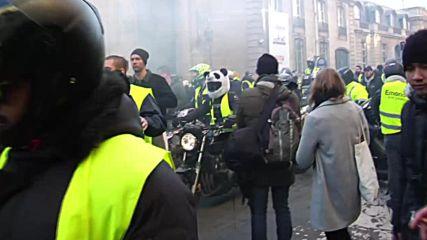 France: Parisians protest petrol prices with Bastille blockade