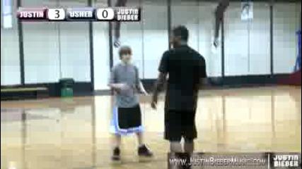 Justin Bieber и Usher играят баскетбол