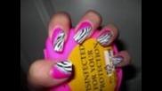 Маникюр зебра (върху роэов цвят)