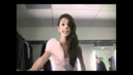 Selena Gomez- Rapping Super Bass