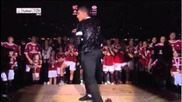 Kevin-prince Boateng performs Michael Jackson's moonwalk