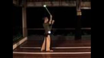 Beginner Poi Spinning Tutorial: Forward 2-beat Weaves