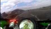 Най бързата скорост на kawasaki zx10r - 300+ км/ч