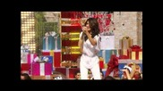 Selena Gomez Live At Disneyland (christmas Day Parade)