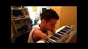Човешката воля да свириш на пиано без пръсти