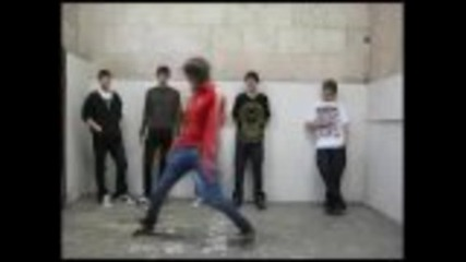 A ти кой танц би предпочел ? Tecktonik, Hardjump, Dnb, C-walk, Shuffle all in one!