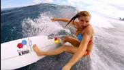Gopro - Жена сърфира