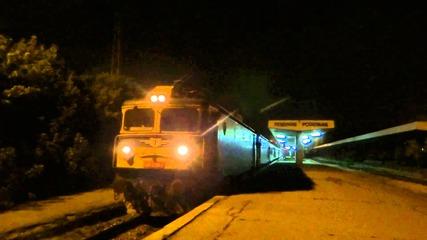 Бв 8627 с 2 локомотива и 14 вагона