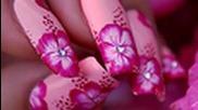 Маникюр: Hibiscus цвете