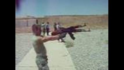 Стрелба с два Ак-47