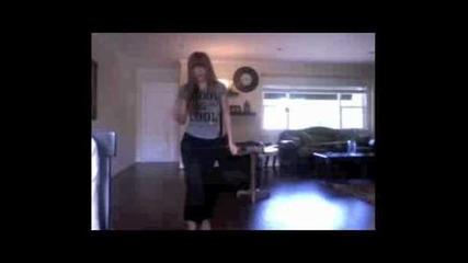 Bella Thorne tancuvaa .. !!!