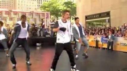 Justin Bieber Perfoming