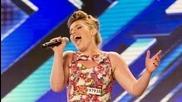Чувствено изпълнение на Ella Henderson's и публиката се изправя на крака в The X Factor Uk 2012