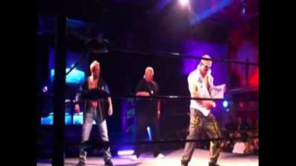 Ракиши и Too Cool танцуват Gangnam Style