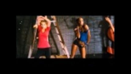 филма на Christina Aguilera и Cher - Burlesque - Трейлър