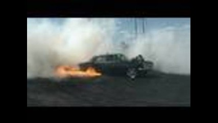 Ето така се палят гуми