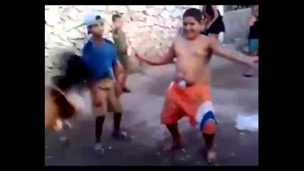 как те танцуват кючек.. а как ние :d