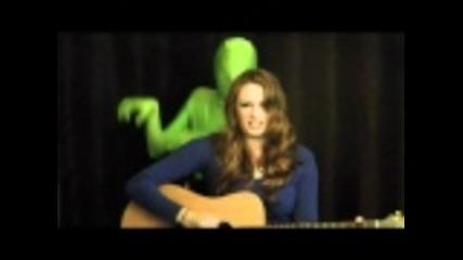 Момиче пее - E.t.