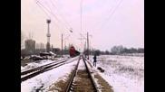 55 208 с товарен влак