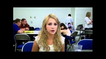Comic-con 2011 - The Secret Circle - Britt Robertson