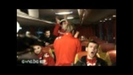 Песни в автобуса на Цска след победата на Герена