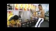 Неймар репетира танц в саблекалня на Сантос