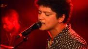 Bruno Mars - Moonshine (на живо!)