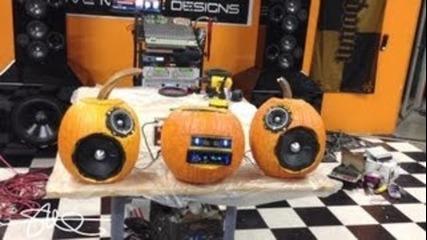 Bumpin' 500 Watt Pumpkin Sound System - Happy Halloween!